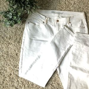 OLD NAVY Sweetheart White Jeans. Size 12.